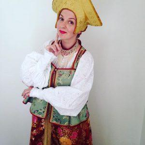 Выступили с коллекцией костюмов Аллы Денисовой, это было потрясно!😊👍на мне праздничный костюм замужней женщины. Великий Новгород. MQ...