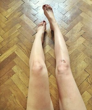 Radtour, Terror-Style 🔫🚲💣 #50shadesofaua #sunburn #skatergirl #bikegang #wokeuplikethis #bruises #outdoorfail #pov #colorblocking 1050