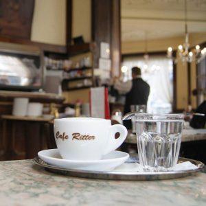 Heute mal ohne Computer im Café - #pausemusssein # #caferitter #kaffeehaus #cafe #wien #vienna #mariahilf #mariahilferstrasse #igersvienna...