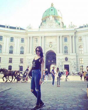 #vienna #wien #palace #view #horses #tourists #funday #friyay #tb #ootd #igers #austria_memories #austria Vienna, Austria