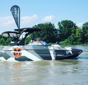 Weekend water fun 💦🚤🏄 ☀️mit #uber_at und @ohana_vienna. #wakesurf #wakeboarden #awss #donau #wochenende #endlichsommer Donauinsel