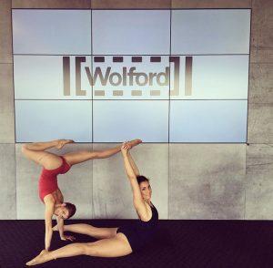Heutiger Arbeitsplatz 👏🏼#wolford #dancer #acrobat @mariamonch K47