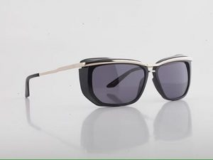 Robert la Roche Eugene model (black on gold) from our sun collection #robertlaroche #eyewear #sun #collection #rlr...