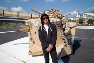 Am Mittwoch präsentierte der Künstler #GOLIF eines der größten von einem Künstler geschaffenen Bilder weltweit. Das temporäre...