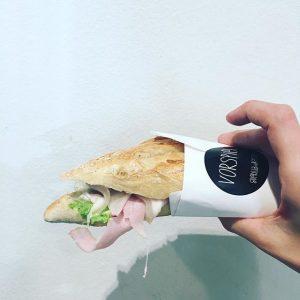 Sandwich der Woche: #erbsenminzaufstrich #thumbeinschinken #radischen! Wer möchte kann es gern mit #Schafskäse haben! #mittagstisch: Bio-Pastrami Sandwich...
