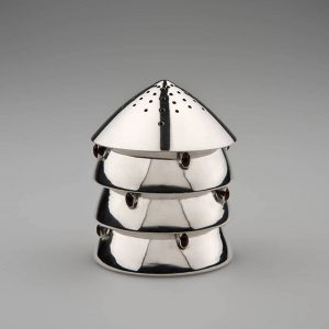 #Sammlungsschmankerl Dieses Streugerät ist einer der radikalste Entwürfe Josef Hoffmanns, ausgeführt von der Wiener Werkstätte. Es war...