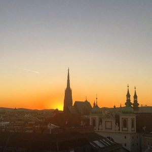 Today's sunset over Vienna, what a red beauty ☀️ 😍🌇 #vienna #view #ilovevienna #myvienna #myaustria #365austria #1000thingsinvienna...
