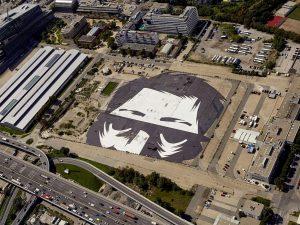 """""""Der Beobachter"""" - 30.000 Quadratmeter groß + somit eines der größten Gemälde der Welt - ziert derzeit..."""