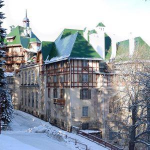 #südbahnhotel #winterwonderland #semmering #sudbahnhotel #suedbahnhotel #architecture #austrian #art #realestate #fairytale #culture #prestige #iconic #money #destination #winter #skiing...