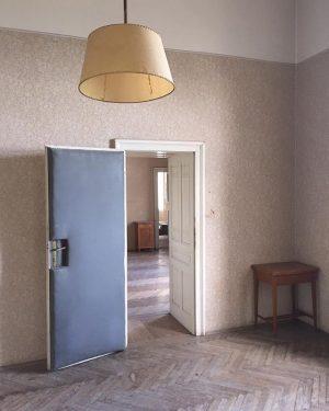 #südbahnhotel #semmering #room #hotelroom #guestroom #original #door #suedbahnhotel #sudbahnhotel #vintage #abandoned #grandhotel #hotel #vintagehotel #location #architecture #fairytale...