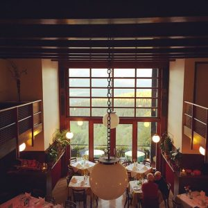 #alpenhof #looshaus #adolfloos #alpinechic #modernism #alpinemodern #ornamentandcrime #alpinevernacular #canopy #canopystructure Hotel Looshaus am Kreuzberg