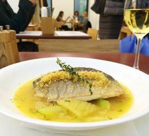 Von unserer Mittagskarte: FISCH. Doradenfilet. Fenchel. Panonischer Safran. Grüner Sellerie. 😊🍴👌😋 #josephmittag #josephbrot #mittagskarte #lunch #yummy #nomnom...