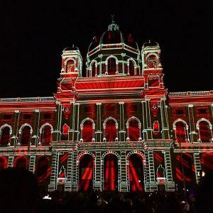 Até amanhã, quem estiver em Viena pode ver gratuitamente o show de luzes na ilha dos museos....