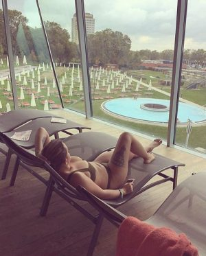 The time to relax is when you don't have time for it. 💆🏽 😌 ❤️ #spaday -...