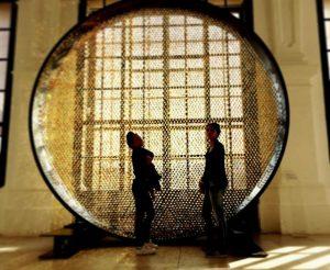 Golden girls.📍Vienne #wien #vienna #vienne #citylife #belvedere #belvederepalace #enjoyinglife #brilliant #gold #goldengirls #reflections #travel #travelgram #silhouettes #lightandshadow...