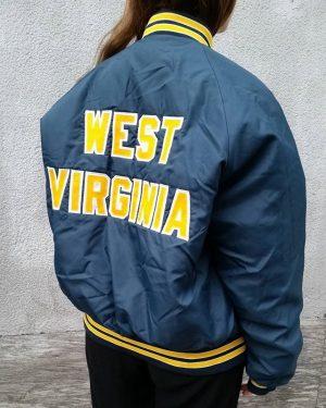 #1970s #westvirginia #university #varsityjacket #plajac #mintcondition #bomberjacket #polyklamott #vintagefashion #secondhandshop #1060 #vienna