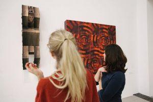 Am kommenden Freitag, um 19 Uhr, findet das sehnsüchtig erwartete Ausstellungsgespräch mit dem Künstler Peter Kogler und...