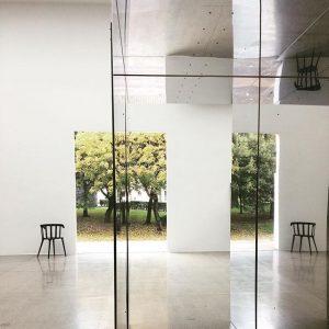 #theadjordjadze @viennasecession #djordjadze s Atelier in der #spiegelung #spiegelbild #spiegel #mirrorpicture #obenunten #wienersecession ...