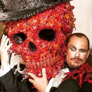 #redribbon #sculpture #swarovski #cristalswarovski #scary #scull #handmade #redhead #stylish #lifeball