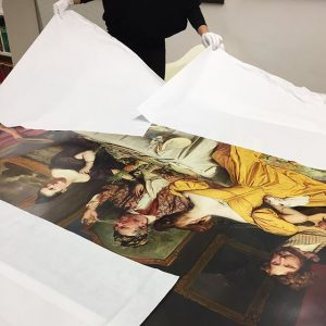 #dasistbiedermeier Our colleague with a XXL print of Josef Danhauser. Follow us and @belvederemuseum on #facebook and...