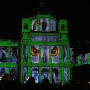 Look Me In The Eyes [ #wienleuchtet #installation #lightshow #lichttapete #wien #vienna #awesome ] Kunsthistorisches Museum Vienna