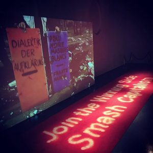Hauptsache gewinnen & smashen! #join #capitalism #redcarpet #dialektik MQ – MuseumsQuartier Wien