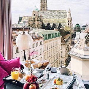 Ein wunderbarer Abend mit Freunden, und jetzt ein Frühstück im @cafebarbloom ! Frühstück ist dort nicht nur...