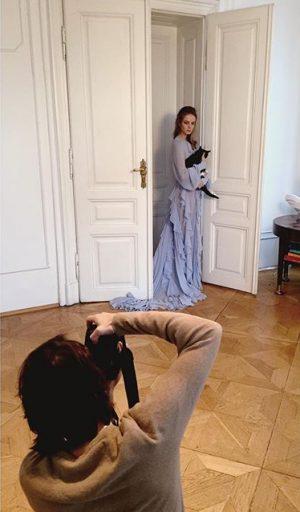 ...die katze lässt das mausen nicht - wir shooten schon das nächste editorial mit @christophpirnbacher 😻 #fashion...