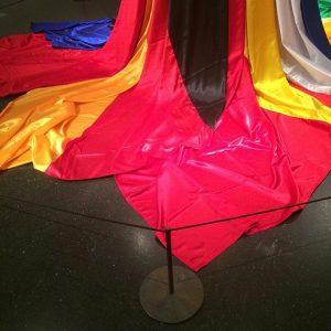 #flaggen von ländern, die nicht mehr existieren. #installation von nasan tour im @mqwien #flagge #flag #art #kunst...