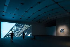 Sarah Morris, Falls Never Breaks – exhibition view at @kunsthallewien Wien, photo by Jorit Aust #art #contemporaryart...