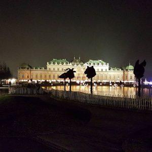 #vienna #reiseschneiderei #belvedere #castle #night #christmasmarket