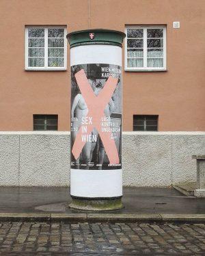 X-rated #wien#vienna#österreich#austria #karlmarxhof#wienmuseum #sexinwien#litfasssäule#igersvienna #igersaustria#1000thingsinvienna #wien_love#wienliebe#vienna_austria #wiennurduallein#plakat#window #fenster#ausstellung Vienna, Austria