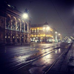 #oper #opera #staatsoper #ring #ringstrasse #wien #vienna_city #Vienna #viennagram #welovevienna #austria #österreich #wkr #nowkr #akademikerball #sperrzone #abgeriegelt...