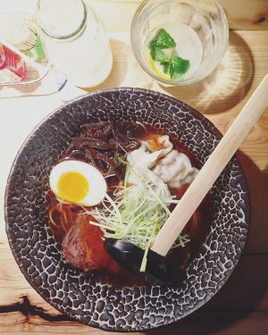 vienna's got a brand new ramen-ya in town: the mochi-crew did a great job! welcome, @mochi_ramen_bar! 🍜...