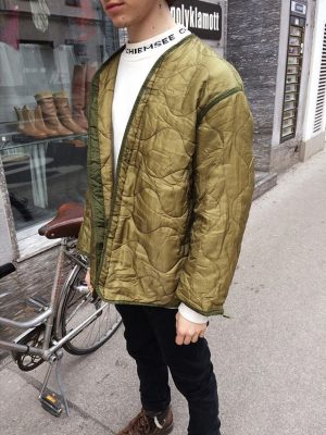 🏳🏳🏳 #garment #stripped #down to its #essentials 🏳🏳🏳#vintage #olivegreen #lining #madeinusa #polyklamott #1060 #coldweather #coats #liner Polyklamott