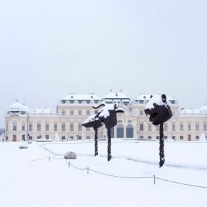 Yeah!!! Winterwonderland ⛄️ #belvederemuseum #winterwonderland #snow #vienna #belvedere #upperbelvedere #lowerbelvedere #dasistbiedermeier #flyscheiblfly #belvederecollection #exhibition #worldheritage #baroque #palace...
