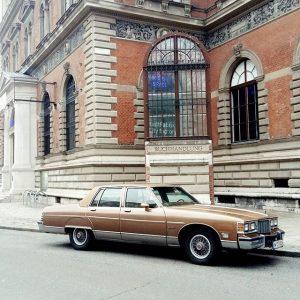 Geiles Auto 🖒#blachara #auto #car #vienna #vehicle #street #straße #architecture #walk #gablota #oldschool #city #stadt #stadtzentrum Vienna,...