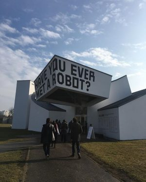 #hellorobot #designbetweenhumanandmachine #nofilter Vitra Design Museum