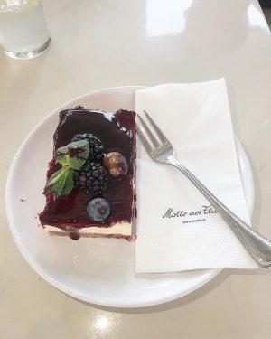 Motto am Fluss Café Franz-Josefs-Kai 10 1010 Wien Open: Monday - Sunday | • 11:30am - 14:30pm...