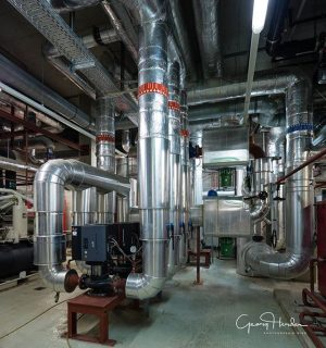 Im Untergrund - die Technik für das Thermalwasser! #thermewien #thermewienbackstage #igersvienna #architecture #architecturephotography #industriefotografie #bath #vienna #welovevienna...