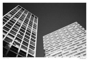 Wienerberg. #35mm #m4p #agfa #asa400 #rotfilter #architecture #igersvienna #sky #bau Wienerbergcity