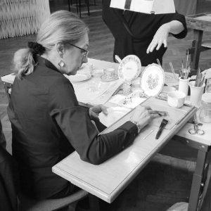 Diese Woche freuen wir uns auf die Wiener Porzellanmanufaktur Augarten, die uns das Handwerk der Porzellanmalerei näherbringen...