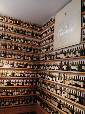 No asi toľko vína som stihol doteraz vychľemtac #wine #wien #wein #juliusmeinl #alcoholism #drunk #love #invinoveritas🍷 Julius...