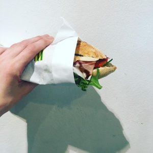 Wir starten in die verkürzte Woche (Achtung wir haben am Freitag geschlossen) mit unserem #sandwichderwoche ! Gefüllt...