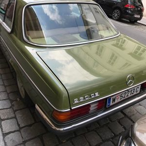 #schönesgrünesauto #classics #mercedes #hutablage Vienna, Austria