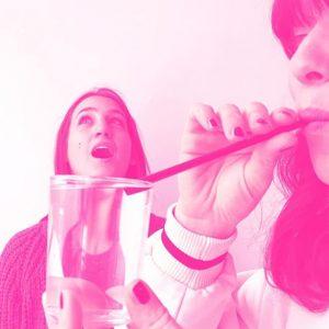Unsere neue Serie: Wir fragen, Freunde antworten! #1: Flora + Sophia Was tun, wenn einem das Wasser...
