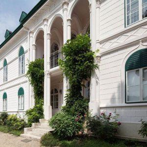 Ab Sonntag, 7. Mai wieder geöffnet: Das #Geymüllerschlössel im 18. Bezirk / Open from Sunday, 7 May:...