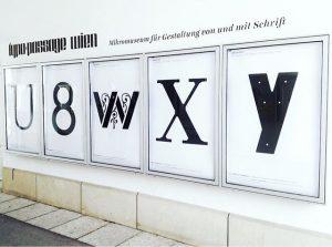 U8WXY #ooops #findedenfehler #mixedup #whathappened #typopassage #q21 #mqw #austrian #type #typedesign #typographischegesellschaftaustria #subtexttypedesign MQ – MuseumsQuartier Wien