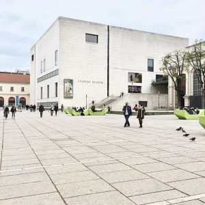 Those green chairs look way more comfy than they are 😔 MQ – MuseumsQuartier Wien