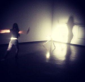 Im Morselicht #kunsthallewien #poetics #performance #finissage #mehralsnurworte #vienna #yutongdancing #maestudietende #morethanjustwords Kunsthalle Wien